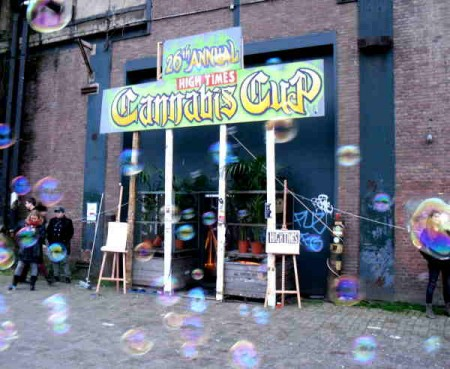 cannabis-cup-2014-amsterdam-report-high-times-triple-zero-over-scene-agenda-concert-musique-montpellier